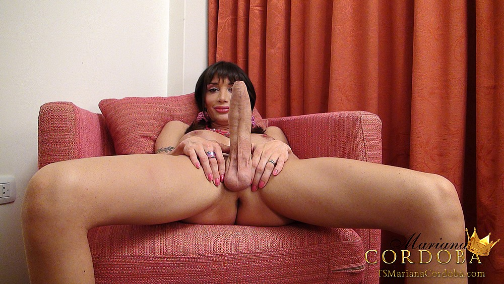 French maid hard fucked in 3some with papy 10